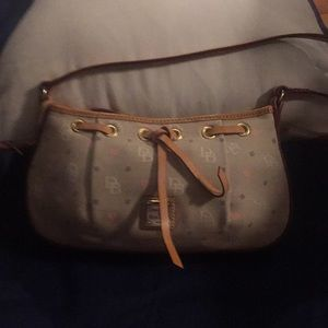 Dooney & Bourke Canavas Bag